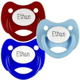 3 Tétines Personnalisées: Rouge capuchon blanc, Bleu capuchon blanc et Bleu ciel blanc